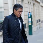 François Fillon est soupçonné de ne pas avoir rendu les bons costumes