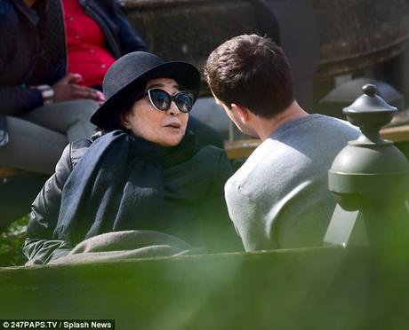 Yoko Ono : encore des photos rassurantes
