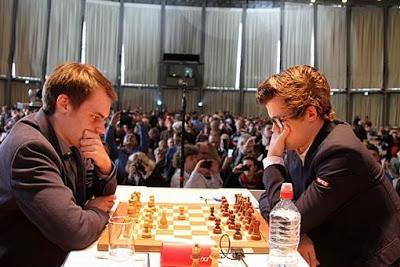 Grenke Chess Classic: Magnus Carlsen bute sur Bluebaum - Photo © Georgios Souleidis