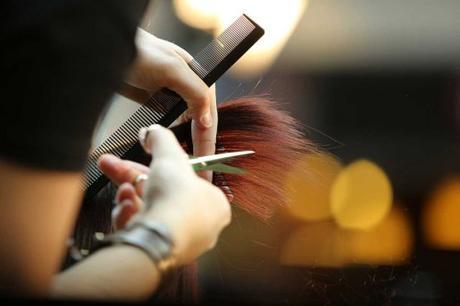 5 avantages d'une coiffure à domicile