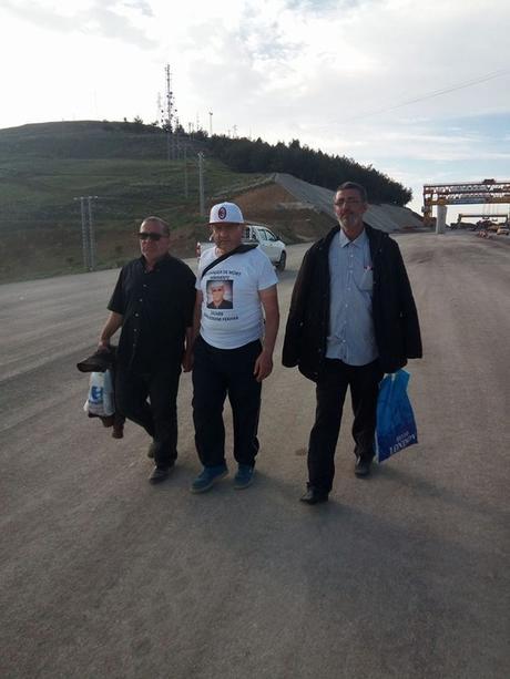18 personnes en grève de la faim en solidarités avec Fekhar