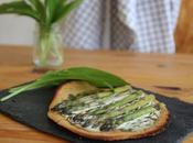 Pizza facon socca l'ail ours asperges
