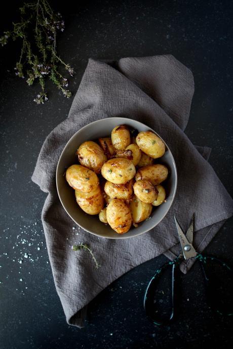 Pommes-de-terre nouvelles et queue de lotte