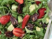 Salade roquette, fraises, avocat noix pécan