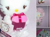 sépare plusieurs peluches Hello Kitty