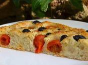 Focaccia pugliese tomates olives