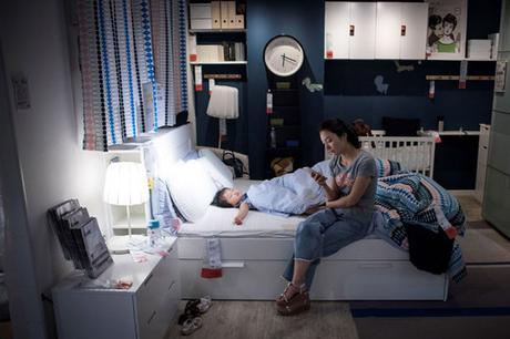 Canicule : à Shanghai, on se réfugie chez IKEA pour faire des siestes climatisées