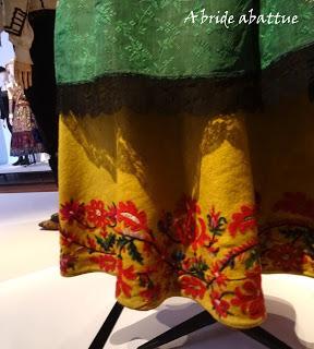 Costumes espagnols entre ombre et lumière à la Maison de Victor Hugo