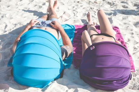 Shader: le mini parasol de plage qui protège votre visage