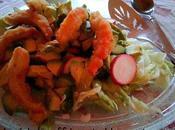 Crevettes végétales salade avec vinaigrette gingembre miso