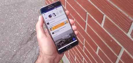Facebook profite de la rentrée pour rafraîchir le look de son application mobile