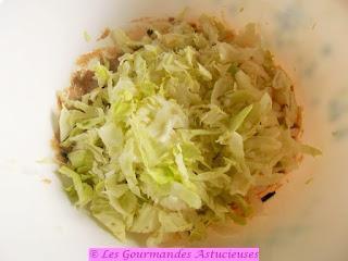 Salade de chou blanc aux noix et à la moutarde (Vegan)
