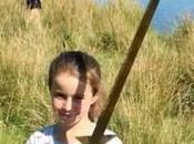 ans, elle trouve épée l'endroit Arthur aurait rendu Excalibur Dame