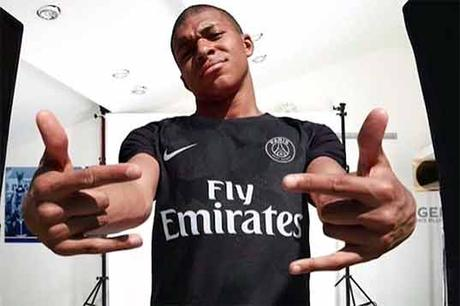 Mbappe PSG maillot third