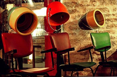 Gnawa diffusion je voudrais tre un fauteuil voir - Fauteuil dans un salon de coiffure pour dames ...
