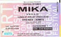 Mika émerveille les Arènes de Nîmes (et vice-versa)