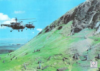 476/hélicoptères au Rano Raraku !