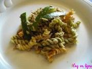 Salade pâtes Torti au thon et courgettes au Pesto vert