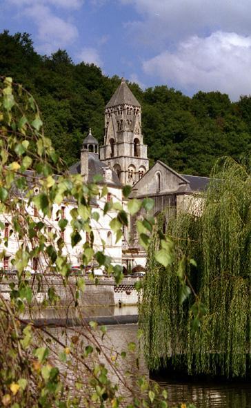 brantome-clocher-a-gables-11eme.1217235380.jpg