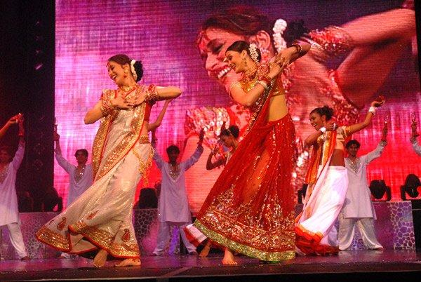[PHOTOS] The Unforgettable Tour avec Aishwarya & Madhuri