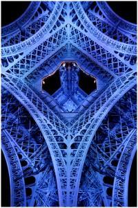 paname-2-200x300 Un touriste à la Tour Eiffel