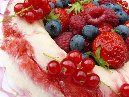 Gourmande... Vacherin-melon-fruits-rouges-L-1