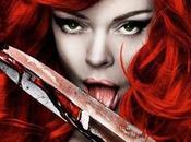 ROSE McGOWAN aime sang