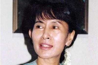 Aung San Suu Kyi entend demander la levée de son assignation à résidence