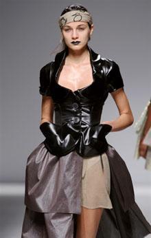 Défilé Westwood pap été 2009 à Paris (AFP. - P.Verdy)