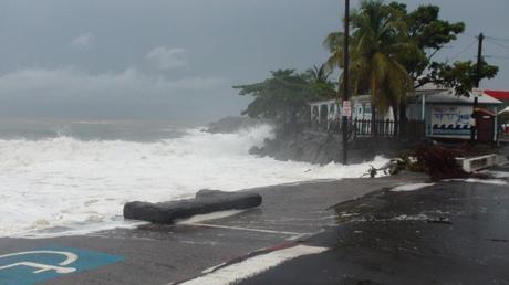 cyclone_omar_6.jpg