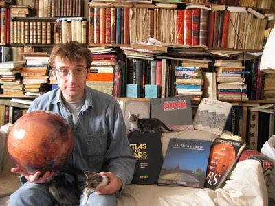 OVNIS : Ce qu'ILS ne veulent pas que vous sachiez. Un livre bizarre de Pierre Lagrange. Notes de lecture par Gildas Bourdais