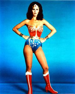 Lynda_Carter___Wonder_Woman_Photograph_C101017261