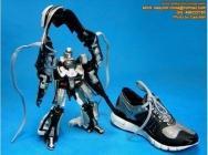 chaussure transformers noire et robot