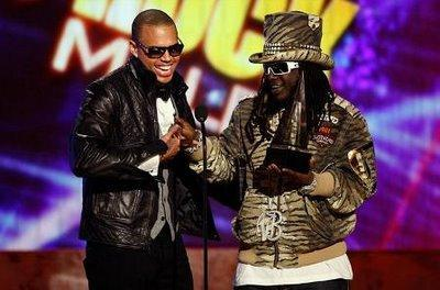 Chris Brown : Grand vainqueur des American Music Awards !