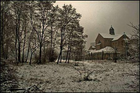 A_church_in_the_snow_daaram