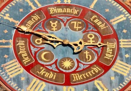 HorlogePortailSudCathedraleStrasbourg.jpg