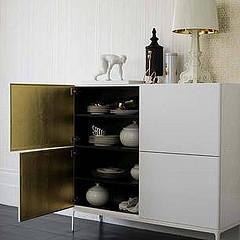 Rangement et vaisselier en blanc et doré