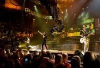 jonas-brothers-the-3d-concert-experience_jpg-thumb-440x302