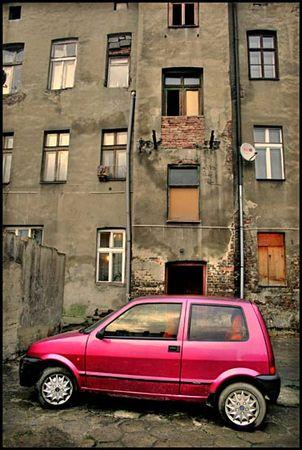 Polish_red_car_daaram