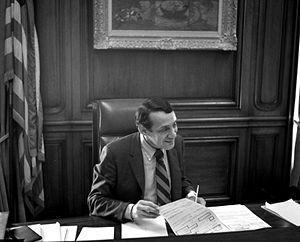 Harvey Milk à son bureau de la mairie de San Francisco