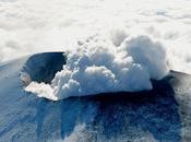 Eruption volcan Asama Japon