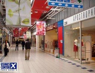 les magasins d'usine de la galerie marchande du centre de marques Usines Center Paris Nord 2