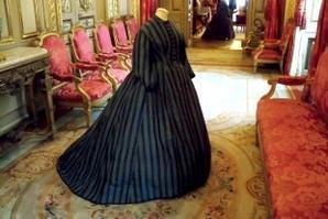 Quand les crinolines étaient au Louvre