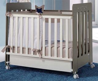 lits pour nos b b s paperblog. Black Bedroom Furniture Sets. Home Design Ideas