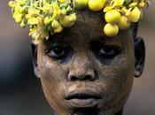 """servent pigments. pratiquent peinture corporelle. sont tribus """"Omo"""""""