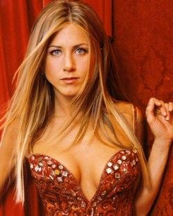Paris Match coupe court une interview de Jennifer Aniston