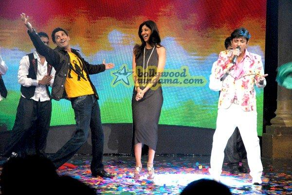 [PHOTOS] Shilpa Shetty on Oye! Its Friday!