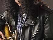 Slash sait s'entourer