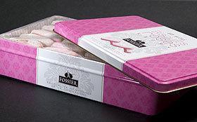 Tarte sur fond de biscuits roses à la mousse de framboises