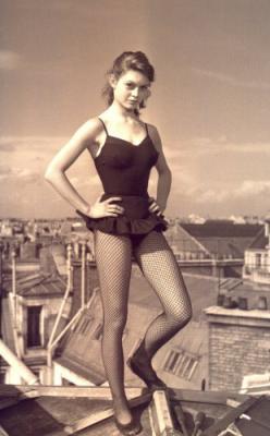 Il y a 60 ans, les couturiers de Paris rendaient à la femme leur liberté